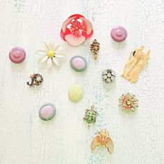 Upcycled Vintage Jewelry Magnets #DIY