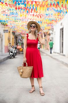 Photo November 27 2019 at womens fashion style hats shoes minimal simple dress ootd summer comfortable for her ideas tips street Simple Dresses, Casual Dresses, Fashion Dresses, Red Ruffle Dress, Simple Dress Pattern, Summer Dress Outfits, Online Dress Shopping, Elegant Outfit, Everyday Outfits