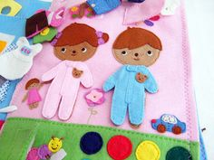 Quiet Book page 2 Dress up by Fieltrunguis, via Flickr