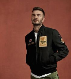 David Beckham Tattoos, David Beckham Style, How To Look Classy, How To Look Better, Men Fashion, Fashion Outfits, Cool Style, My Style, Guy Stuff