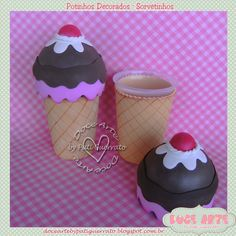 Doce Arte by Pati Guerrato: cozinha Mais Decoupage Jars, Birthday Party Games For Kids, Clay Jar, Polymer Clay Christmas, Creative Box, Jar Art, Candy Cakes, Donut Party, Doll Painting