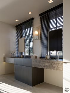 5 Astonishing Tips: Fabric Kitchen Blinds outdoor blinds lights.Outdoor Blinds Lights black out blinds for windows.Roll Up Blinds Articles. Bathroom Blinds, Kitchen Blinds, Bathroom Taps, Bathroom Storage, Living Room Blinds, House Blinds, Bad Inspiration, Bathroom Inspiration, Bathroom Ideas