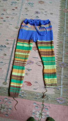 Käsin tehty työ: Villahousut aikuiselle seiskaveikasta + OHJE Long Johns, Knit Leggings, Knitting, Crochet, Pattern, Inspiration, Trousers, Tejidos, Memories