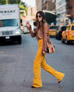 Pop of yellow today on thriftsandthreads.com feat @chloe  direct link in bio #ontheblog #chloegirls