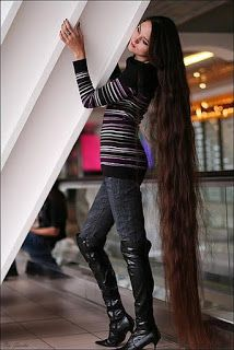 Floor length hair.