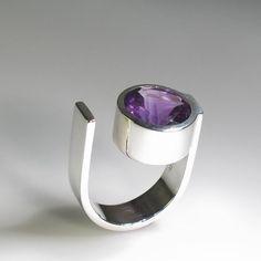 U2 Ring