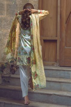 Shirt: Fabric: Embroidered Lawn Shirt Shalwar/Trouser: Fabric: Printed Trouser…