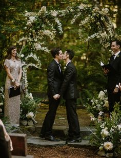 forest wedding The Family-Style Dinner Table in the Woods.That You Have to See to Believe! Lesbian Wedding, Wedding Pics, Wedding Bells, Wedding Ceremony, Wedding Flowers, Wedding Ideas, Wedding Stage, Wedding Themes, Wedding Decorations