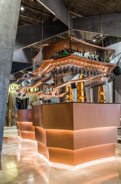 Copper modern bar design - Castello 4 futuristic restaurant and bar located in Hong Kong. Designed by Michael Liu, I take a look at the striking features and fine details that define this restaurant as the new luxury dining icon. Designs feature on www.martynwhitedesigns.com