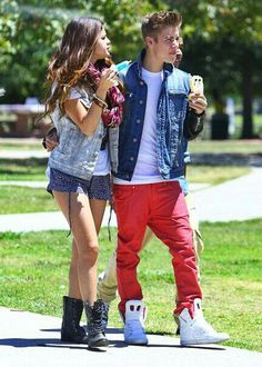 A bit of turbulence? Justin Bieber and Selena Gomez looked happy together at the weekend in LA but there are rumours they are on the rocks Selena Selena, Justin Bieber Selena Gomez, Estilo Selena Gomez, Justin Bieber And Selena, Fotos Do Justin Bieber, Justin Bieber Pictures, Hailey Baldwin, Selena Gomez Relationship, Relationship Timeline