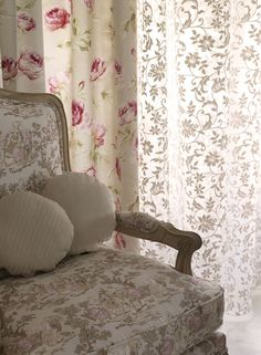 Curtains of romantic roses design. -Coolen collection by #Rioma-.