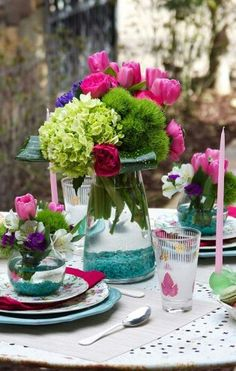 Beautiful Bold And Bright Spring Table !