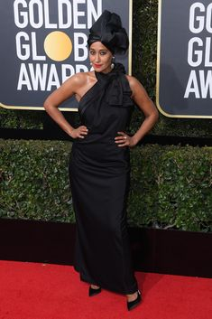 Tracee Ellis Ross wears Marc Jacobs at the Golden Globes. Golden Globe Award, Golden Globes, America Ferrera, Tracee Ellis Ross, Jan 2018, Hollywood Life, Fashion Pictures, Marc Jacobs