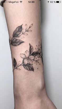 tattoos cover up for women - tattoos cover up - tattoos cover up ideas - tattoos cover up before and after - tattoos cover up for women - tattoos cover up ideas for men Wrap Around Wrist Tattoos, Wrap Around Tattoo, Wrap Tattoo, Wrist Tattoos For Women, Back Tattoo Women, Mini Tattoos, Body Art Tattoos, Small Tattoos, Vine Foot Tattoos