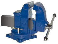 Pipe and Bench Vise Model 33c