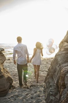Engagement Session : Beach Love ~ MickoPhoto | bellethemagazine.com