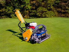 The INFiNiCut is a visually striking machine and is available with an all new dual power source Hybrid Engine/ Generator Power Module or Battery Power Module to reduce noise and improve fuel efficiency. Fuel Efficiency, Pitch, Agriculture, Lawn, Engineering, Golf, Handle, The Unit, Simple