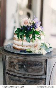 Simple Modern Wedding Cake With Floral Toppers | Photography by Ryan Parker | Cake by Petits Fours