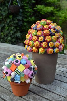 Zelfgemaakte snoepjesboom voor communie- of lentefeest - Libelle - Diy Presents, Diy Gifts, Boy Birthday, Birthday Parties, Sweet Trees, Homemade Sweets, Chocolate Bouquet, Candy Bouquet, Candy Party