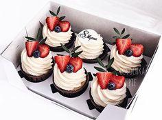 New Cupcakes Photography Ideas Desserts 55 Ideas Cupcake Recipes, Baking Recipes, Cupcake Cakes, Dessert Recipes, Fancy Cupcakes, Easter Cupcakes, Cupcake Photography, Photography Ideas, Cute Cakes