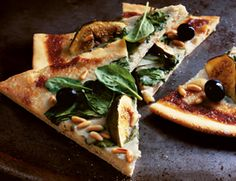 Gorgonzola, Fig & Spinach Pizza | Vegetarian Times