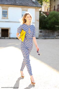 4c6dcec9cd6 This subtly geometric print in navy