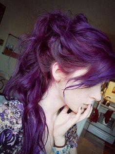 Dye your hair simple & easy to bright purple hair color - temporarily use vivid purple hair dye to achieve brilliant results! DIY your hair imperial purple with hair chalk Dye My Hair, New Hair, Wavy Hair, Coloured Hair, Scene Hair, Emo Scene, Undercut, About Hair, Hair Dos