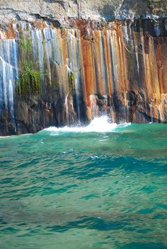 Mineral trails at the Pictured Rocks National Lakeshore, Lake Superior, Munising, Michigan.*You can see this on a fun, interesting boat tour. Michigan Travel, Lake Michigan, Munising Michigan, Michigan Usa, Northern Michigan, Wisconsin, Oh The Places You'll Go, Places To Travel, Places To Visit