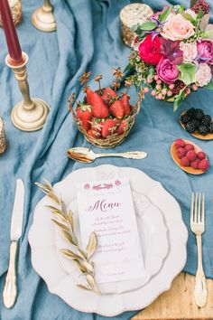 Photography : Janna Warm Read More on SMP: http://www.stylemepretty.com/little-black-book-blog/2015/06/03/tuscan-countryside-wedding-inspiration/