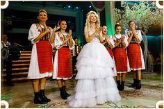 Evenimentul anului 2019 a avut loc la Castelul din Inima Capitalei! Andreea Bălan și George Burcea au ales Le Château ca fiind locul ce are puterea de a ridica orice standard al organizării de evenimente prin poziţionarea, avangardismul şi totodată somptuozitatea sa. Un eveniment semnat Le Château devine, inevitabil, nu doar unul monden, dar și unul model! Georgia, Disney Princess, Concert, Disney Characters, Concerts, Disney Princesses, Disney Princes
