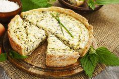 Placinta cu urzici si branza sarata Cottage Cheese, Antipasto, Stevia, Ricotta, Bon Appetit, Camembert Cheese, Banana Bread, Onion, Ale