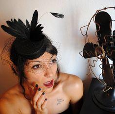Bizarre Pillbox Mini Hat with Bird and Veil 50's by BizarreNoir