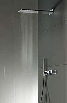 minimalistic cubic shower head | bathroom . Bad . salle de bain | Design: Fantini |