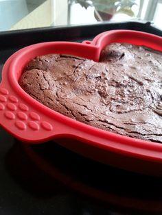 ● Moist flourless fondant chocolate cake ● Υγρό κέικ σοκολάτας χωρίς αλεύρι