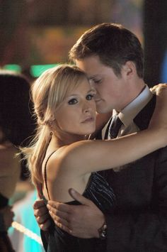 Veronica Mars - with Duncan (Kristen Bell and Teddy Dunn)