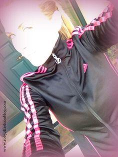 Per non #fermarsi, per sentire il #vento sul #viso , aumentare i #battiti, sentire #contrarre lo #stomaco e #respirare #forte. A pieni #polmoni. #Correre. Da oggi si ricomincia! Tempo permettendo :) #Run #girl, run new #post now on www.robyzlfashionblog.com #adidas  @adidasoriginals #sport #ootd