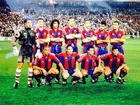 F. C. BARCELONA - Barcelona, España - Temporada 1996-97 - Vitor Baia, Popescu, Fernando Couto, Lauren Blanc, Pizzi, Guardiola y Luis Enrique; Ronaldo, Ferrer, Sergi y Luis Figo - REAL MADRID C. F. 1 (Suker) F. C. BARCELONA 1 (Roberto Carlos p.p.) - 06/02/1997 - Copa del Rey, octavos de final, partido de vuelta - Madrid, estadio Santiago Bernabeu - El Barcelona, que acabaría ganando la Copa al imponerse al Betis en la final, elimina al Real Madrid en octavos tras haber vencido por 3-2 en la ida Fc Barcelona, Barcelona Football, Santiago Bernabeu, Ronaldo, Real Madrid, Basketball Court, Barcelona Spain, Roberto Carlos, Football Team