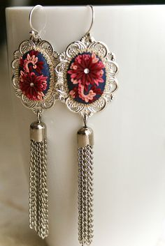 charlston romance earrings by Chili Crab, via Flickr