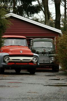 1st gen Ford pickup behind a 2nd gen