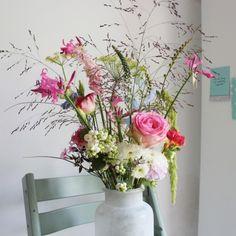 Nazomer-roze Home Flowers, Happy Flowers, Cut Flowers, Floral Flowers, Flower Vases, Colorful Flowers, Flower Art, Beautiful Flowers, Flower Decorations