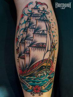 Super Tattoo Traditional Barco Old School 61 Ideas Navy Tattoos, Trendy Tattoos, Leg Tattoos, Body Art Tattoos, Girl Tattoos, Sleeve Tattoos, Tattoos For Guys, Ship Tattoos, Tatoos