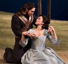Nathan Gunn and Isabel Leonard in Cosi Fan Tutte (© Marty Sohl/Metropolitan Opera)