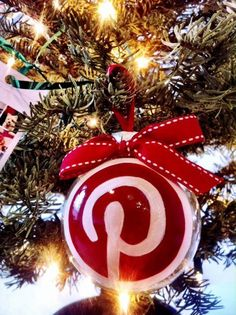 "Christmas geekdom: Paying respect where it is due, ""These awesome holiday ideas are brought to you by Pinterest.""  I wonder how many holiday guests would recognize the symbol?"