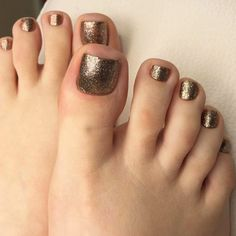 Wow Toe Nails With Gold Glitter ❤ See more ideas on our blog!! #naildesignsjournal #nails #nailart #naildesigns #toenails #toenailcolors #pedicure #toes Green Nail Designs, Toe Nail Designs, Beautiful Nail Designs, Black Toe Nails, Gold Nails, Gold Glitter, Best Toe Nail Color, Nail Colors, Halloween Nail Designs