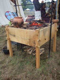 Dutch Oven Cooking Table Plans - 15 Dutch Oven Cooking Table Plans , Make Your Dutch Oven Cooking Simple with the Volcano Grill Staub Dutch Oven, Dutch Oven Cooking, Fire Cooking, Outdoor Cooking, Viking Camp, Viking Life, Dutch Oven Table, Medieval Furniture, Camping Table