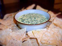 Trempette chaude au fromage, épinards et coeurs d'artichauts | .recettes.qc.ca