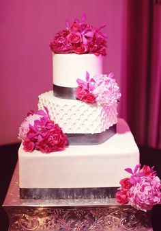 Amazing cake!  I love the different shapes & textures.