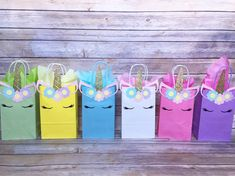 Unicorn Party Favor Bags - First Birthday, Unicorn Birthday, Baby Shower, Goody Bags Unicorn Birthday Parties, First Birthday Parties, Birthday Party Decorations, First Birthdays, Party Favor Bags, Goodie Bags, Favor Boxes, Party Garland, Cupcake Party