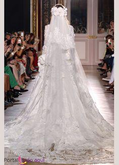 Veja vestidos de noiva que são verdadeiras obras de arte e que podem servir de inspiração