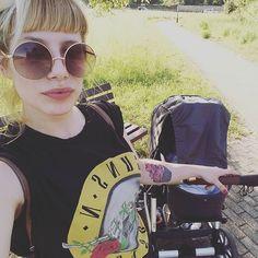 Die warmen Tage eignen sich optimal für einen Spaziergang im Park / Warmer days call for a walk in the Park. Thanks to @sallycinammon26 #abcdesign #thinkbaby #stroller #instagood #sweet #outside #park #selfie #style #sun #sunshine #fun #little #kids #baby #mom #motherlove #familytime #photooftheday #babyphotooftheday